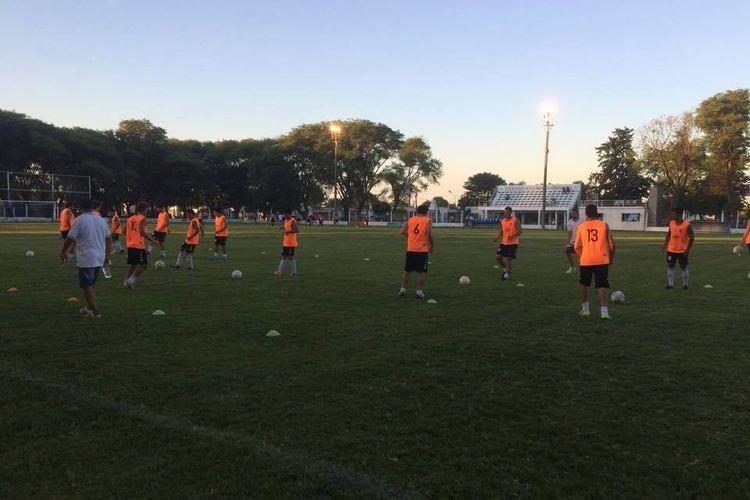 El Club Social y Deportivo Argentino enfrentará a Atlético Neuquen de Paraná, desde las 20 con arbitraje de Gastón Monson Brizuela, quien será secundado por Gabriel Vélez y César Fait, todos de la provincia de Córdoba. Foto: FM Spacio
