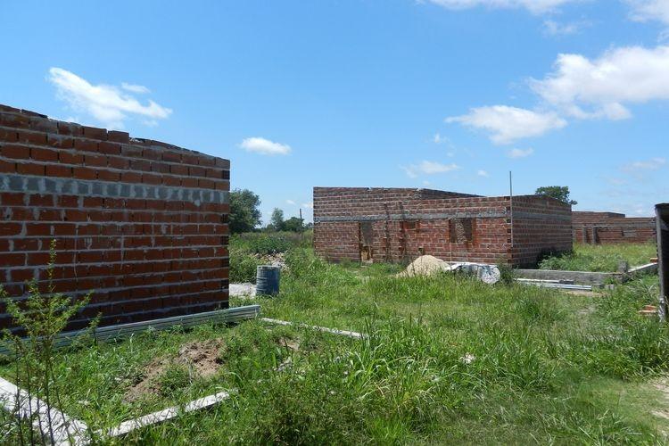 En los próximos meses estarán finalizadas las ocho viviendas de Plan Fonavi, que se construyen en la localidad. Foto: El Cronista de Las Colonias.