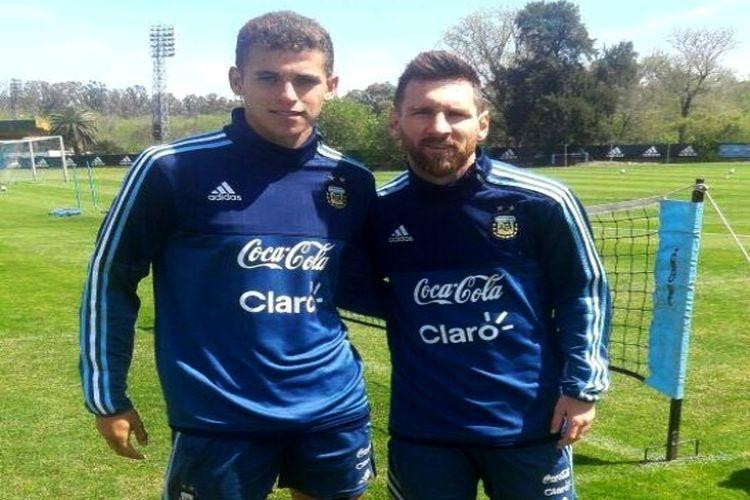 En la foto, Andereggen aparece junto al mejor jugador del mundo, Lionel Messi, en un alto de los trabajos realizados en el predio que la AFA posee en Ezeiza, el sábado por la tarde. Foto: Prensa Unión