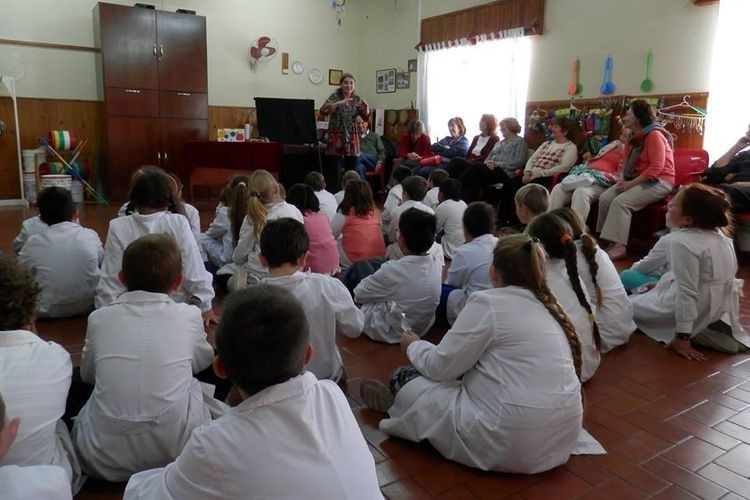 Previamente el acto inaugural contó con la presencia de la narradora santafesina Joselina Martínez, junto al espectáculo de baile del ballet de Ataliva. Además participaron el Coro de la Escuela Nº 1152, junto a espectáculos infantiles. Foto: Archivo