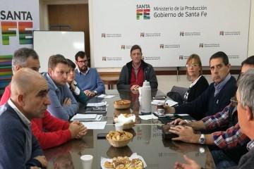 El secretario de Agricultura, Juan Manuel Medina, consideró que la iniciativa es trascendente ya que permitirá tener en terreno un profesional que haga un seguimiento y acompañamiento de las propuestas de sanidad de suelo y vegetal. Foto: Gobierno