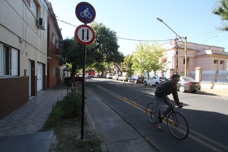 """Entre los beneficios desde el municipio indicaron que el uso de bicicletas reduce la contaminación. """"Andar en bicicleta es un factor clave para reducir los niveles de contaminación ambiental, además ayuda a reducir otra contaminación también muy importante, la acústica"""". Foto. El Litoral"""