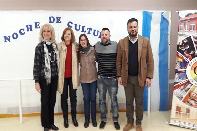 """El 1er. premio quedó para Liliana Ravasio (Rafaela) con el texto """"Novela de los Dos"""". El 2do. lugar fue para Fabia Priotti (San Vicente) por """"Jirones de un Pescador"""". Foto: Comuna"""