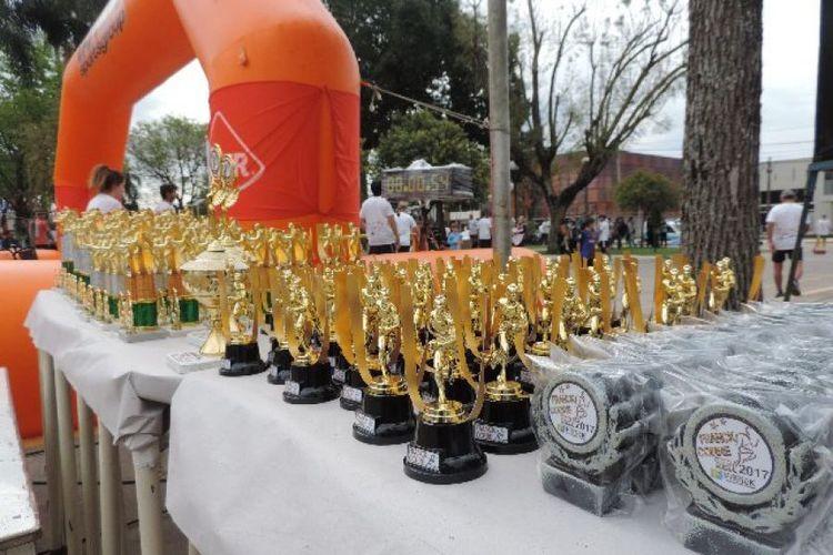 Las categorías competitivas serán damas y caballeros en los 10km de 16 a 18 años, 19 a 24, 25 a 29, 30 a 34, 35 a 39, 40 a 44, 45 a 49, 50 a 54, 55 a 59, 60 a 64, 65 a 69 y de 70 años en adelante sumado a la categoría especial. Para los 5km tanto damas y caballeros, serán categorías únicas. La distancia de 3km será recreativa para los participantes. Foto: FM Spacio