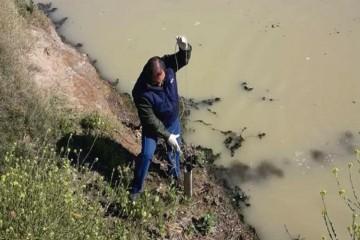 """""""Luego de diversos análisis desarrollados el mismo determinó que solo fue un derrame de productos lácteos sin efectos contaminantes sobre el agua"""", puntualizaron en un comunicado. Foto: Comuna"""